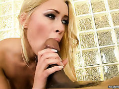 Blonde has vigorous anal sex