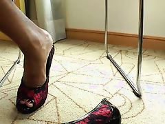 black tranny moans as she is ass fucked