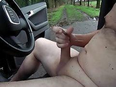 Exhibition war wieder geil nackt im Auto