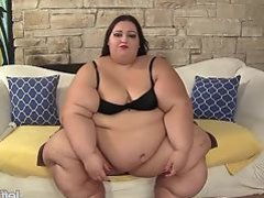 Extra fat BBW slut Apple Bomb masturbates