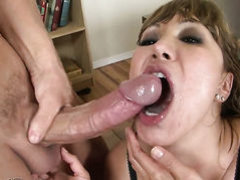 Fuck crazed minx Nicole Ray lets man fuck her pussy