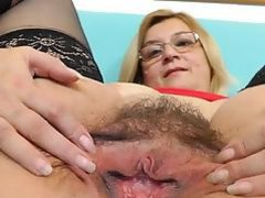 Hairy mature Jitule