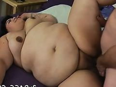 Dude cums on plump girlie after banging her very well
