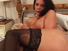 hot cougar carly g in bed