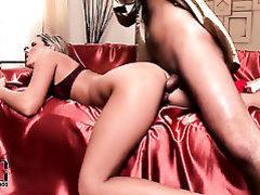 First-class temptress with sexy desire legs Cherry Jul